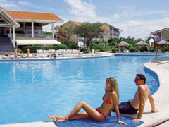 Guanacaste costa rica beaches hotels near liberia for Barcelo jardin mar